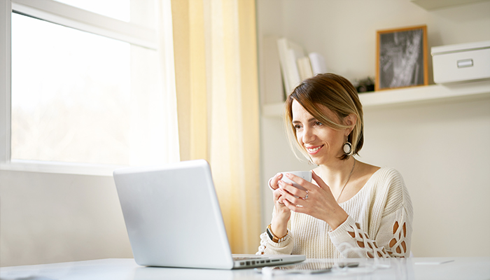 woman_coffee_home_office-blog