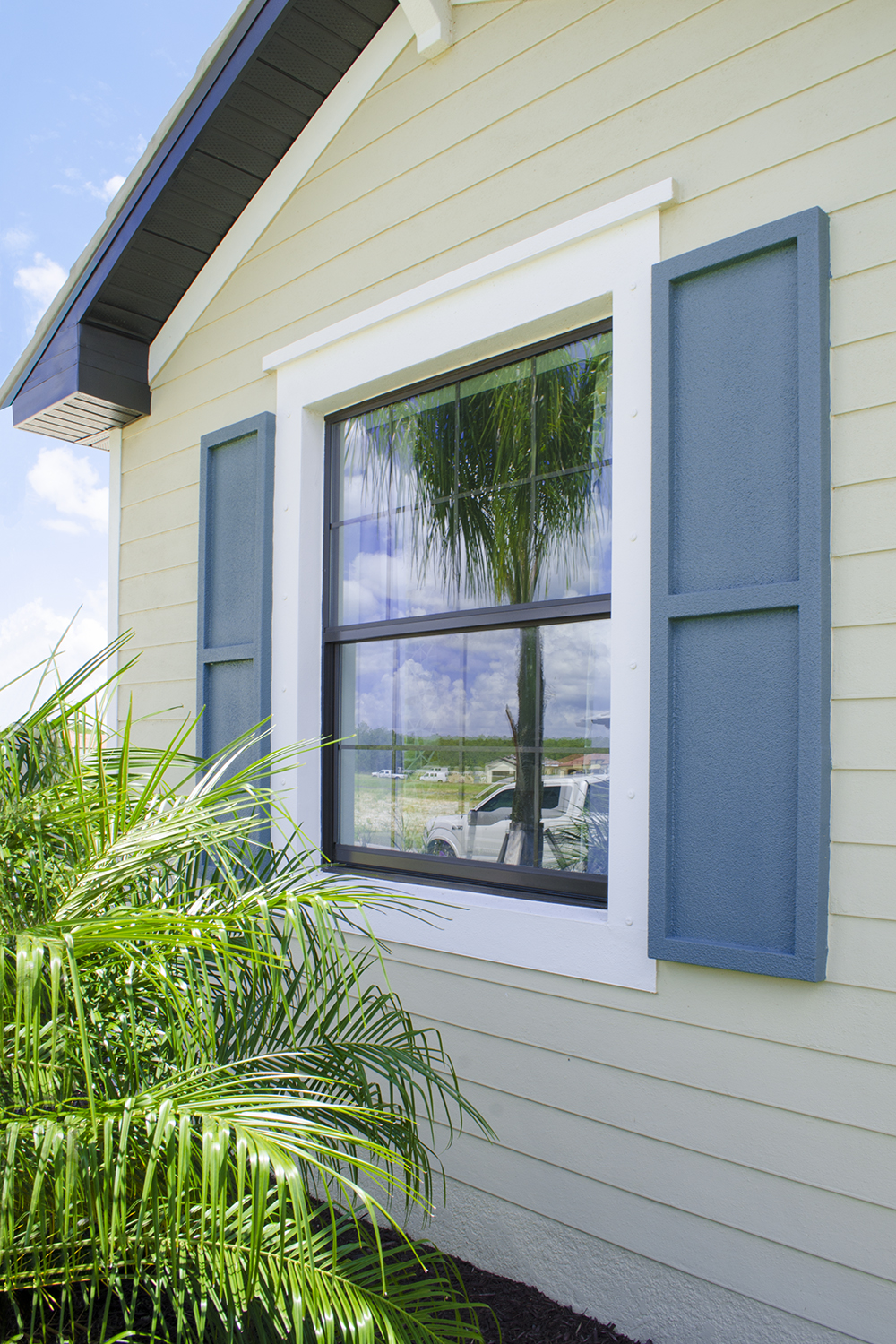 Mi 185 Single Hung Window On Home Exterior